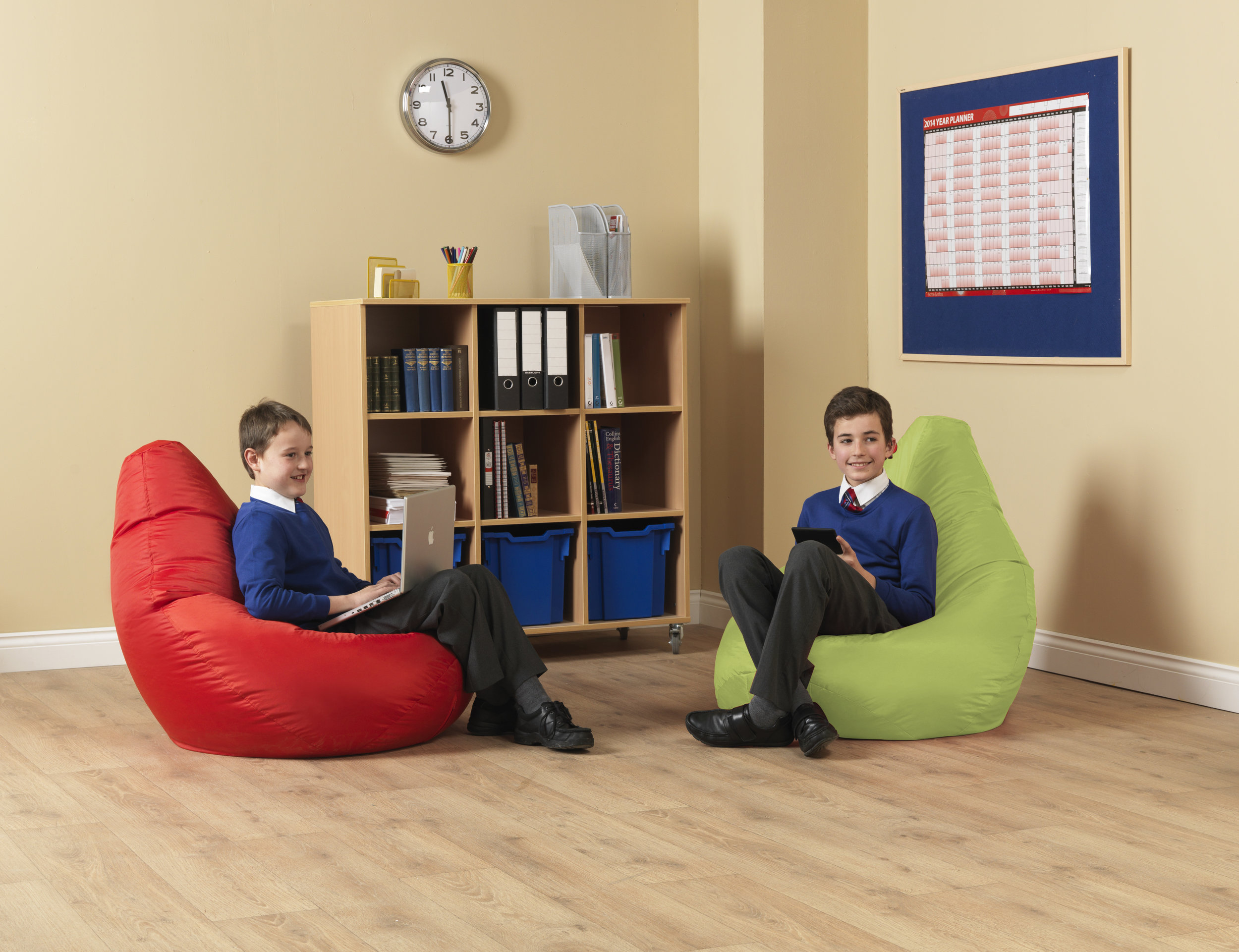 Eden-Large-Reading-Pod-OD-3-lime-300dpi.jpg