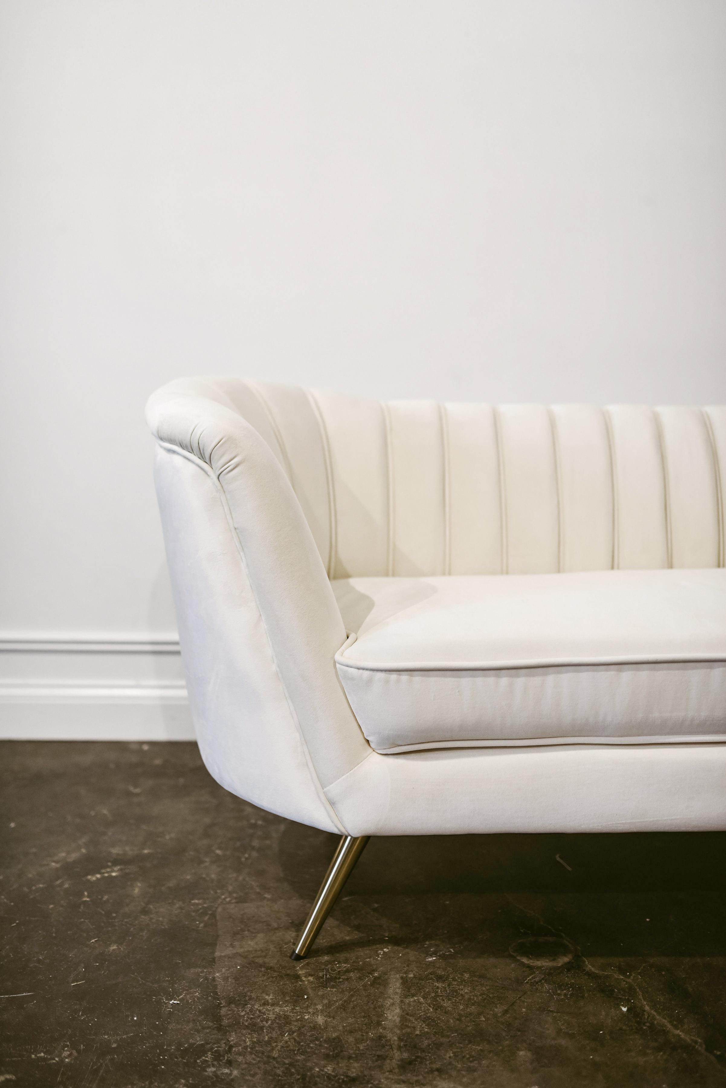 Della Sofa Side .jpg