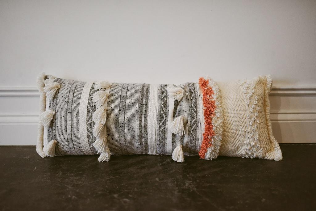 daphne pillow