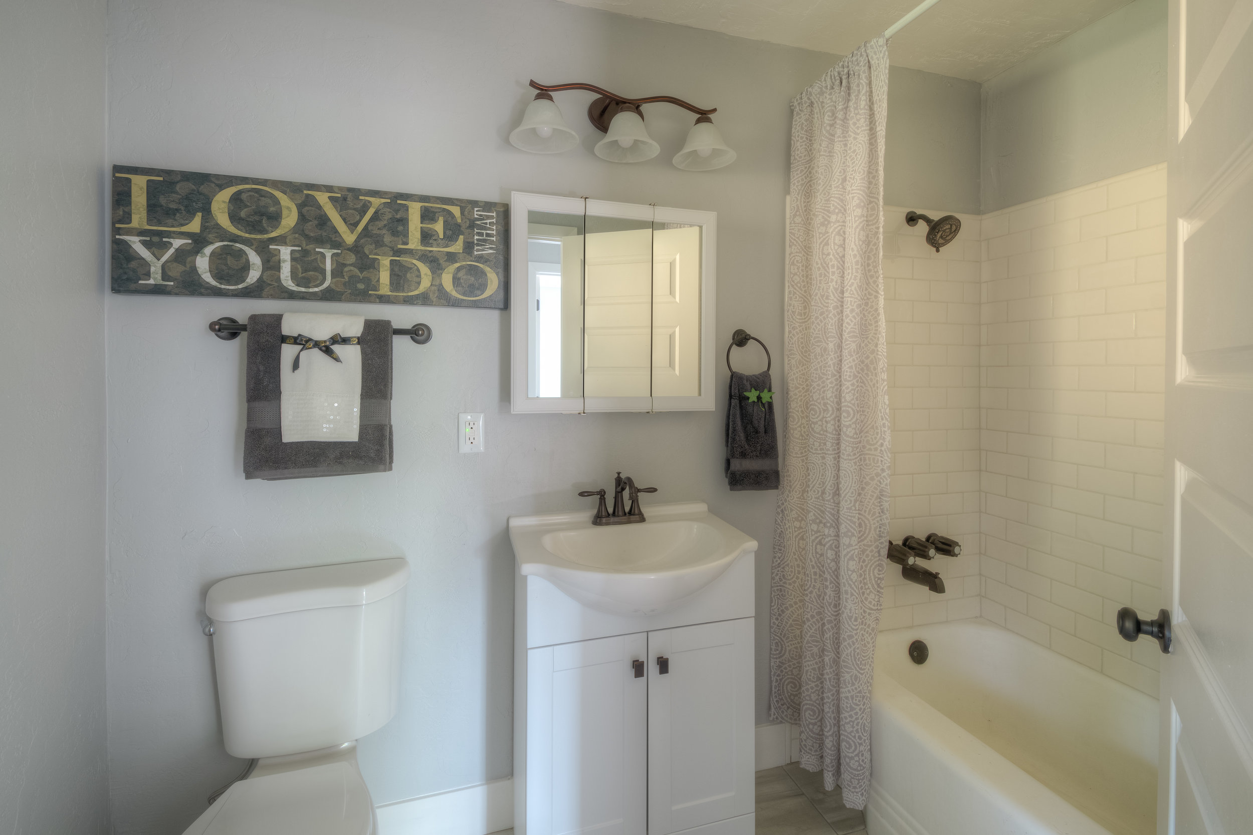 920 Neal Dow Ave 011 Bathroom 1 (after).jpg
