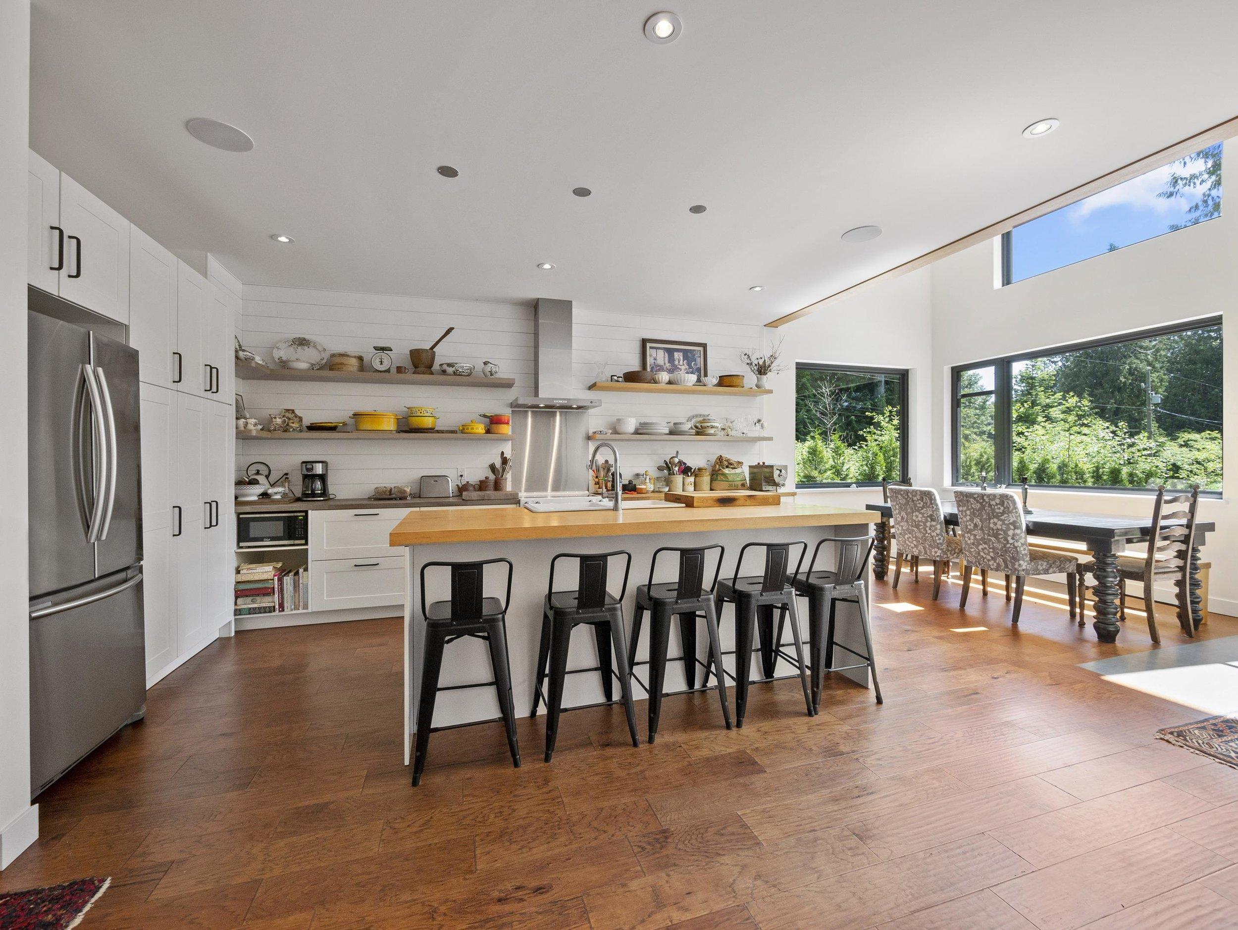 p20 kitchen, island, dining area_MJ.jpg