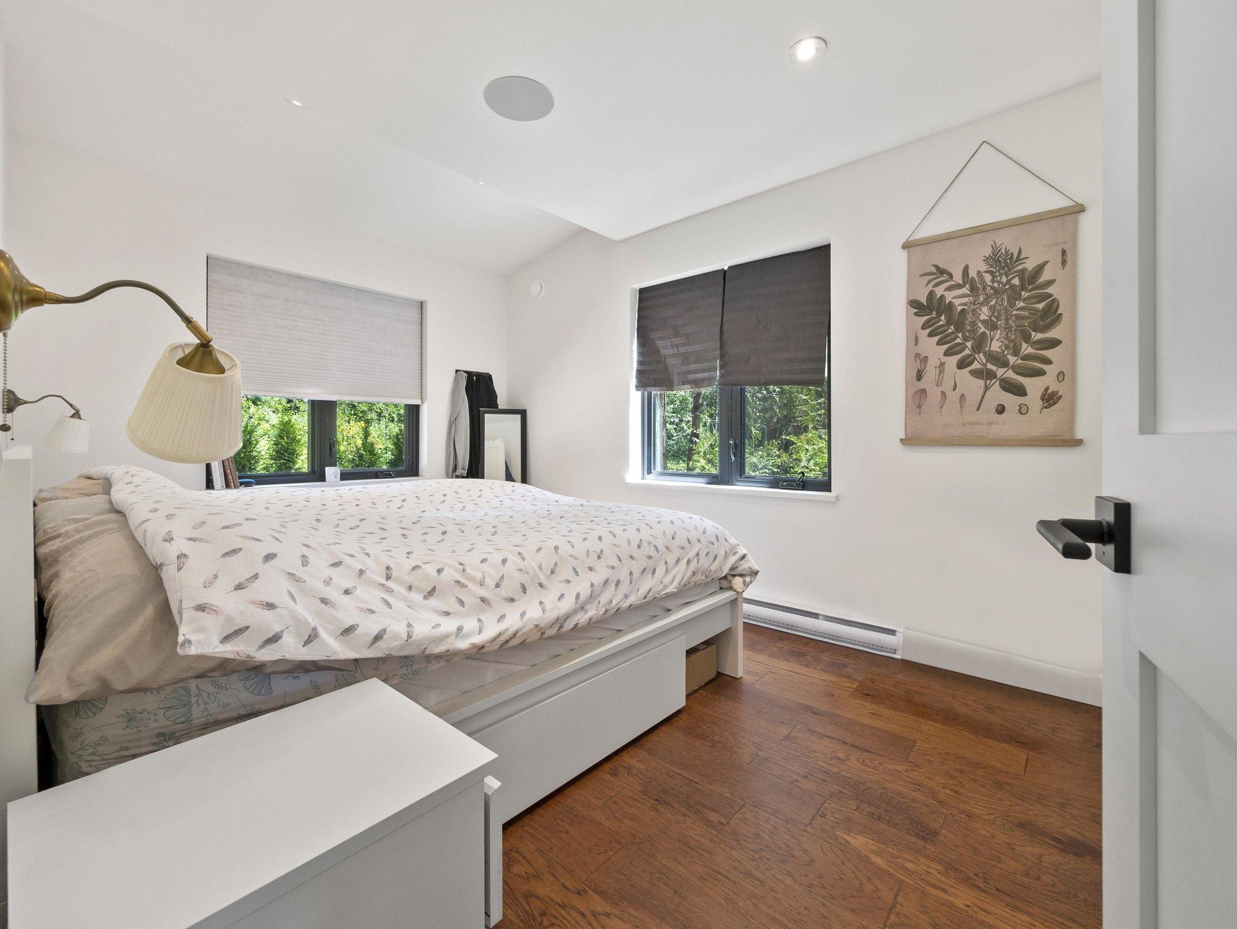 p68 second home, bedroom one_MJ.jpg