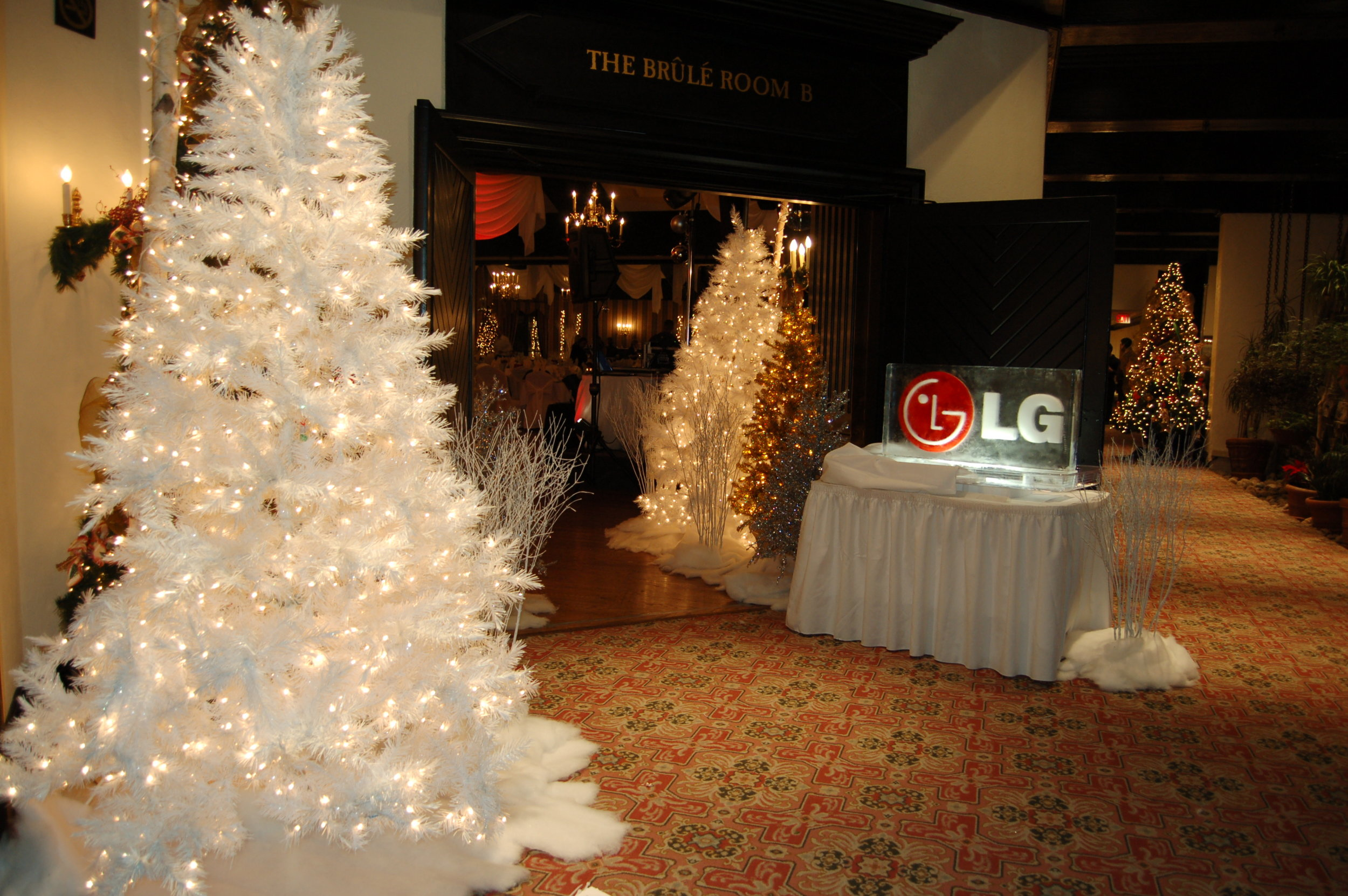 LG Corporate Holiday Party Decor
