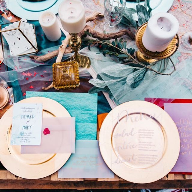 PERFECTLY IMPERFECT.  This Sunset-colour palette, natural worn-out textures and dishevelled #tablescape is as refreshing as eloping to the Amalfi Coast or having an intimate reception in your own backyard.  #mapleleafdecorations #elopement #elopementwedding #weddinginspo #pastelcolours #bohochic #intimatewedding #weddingdecor #weddingdecorations #torontoweddings #wanderlust #wndrlustweddings #humberbayweddings #xperiencexchange #caroandcoevents #beachwedding #farmwedding #vineyardwedding