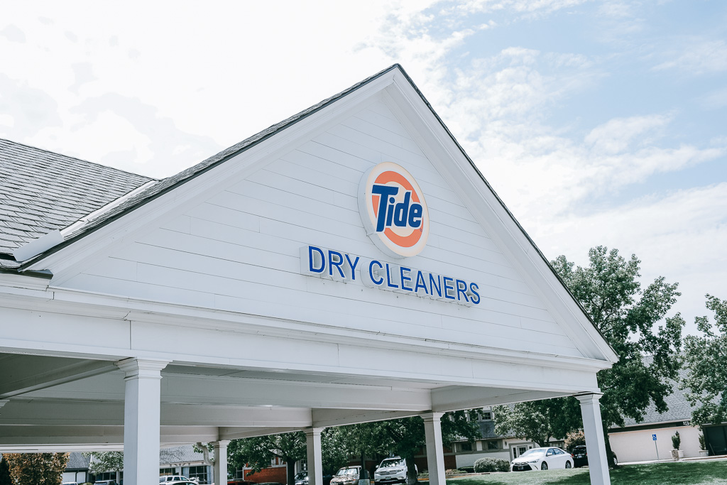 Tide dry cleaners corinth square.jpg