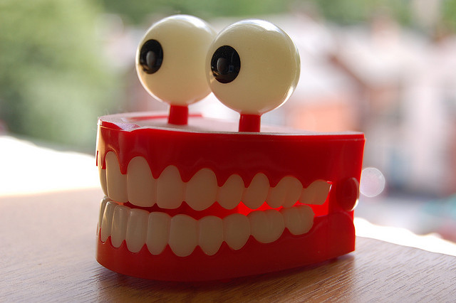 fake-teeth-with-eyes.jpg