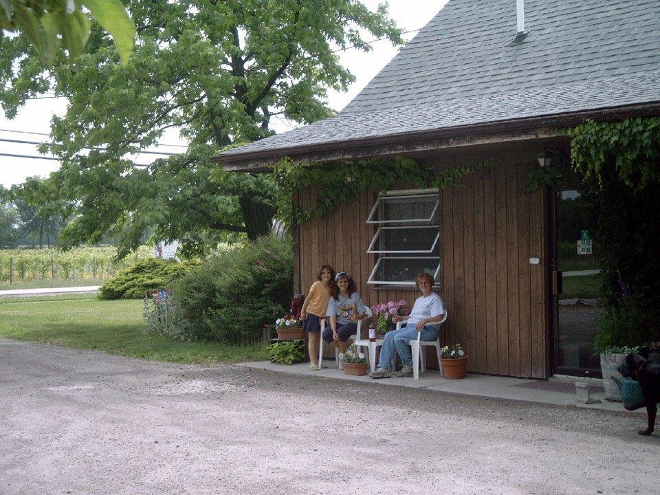 - 33050 Webber Road Avon Lake, Ohio 44012Click for Map(440) 933-6666klingshirnwine.comLake Erie Shores & Islands Wine TrailLorain County