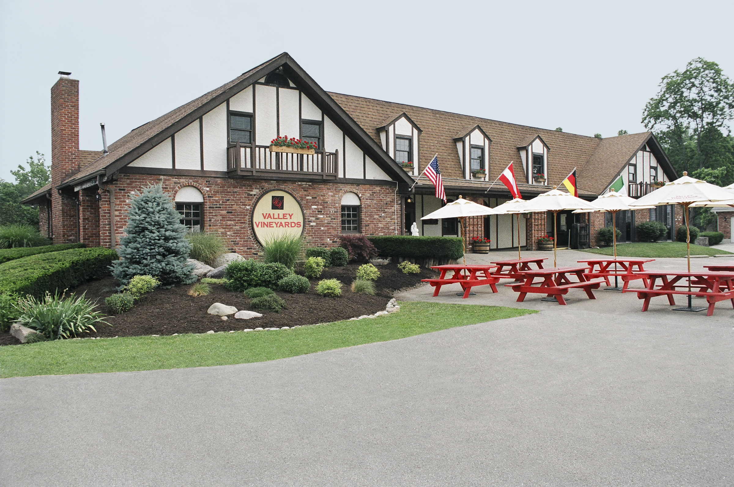 - 2276 E US 22 & 3 Morrow, Ohio 45152Click for Map(513)899-2485valleyvineyards.comOhio River Valley Wine TrailWarren County