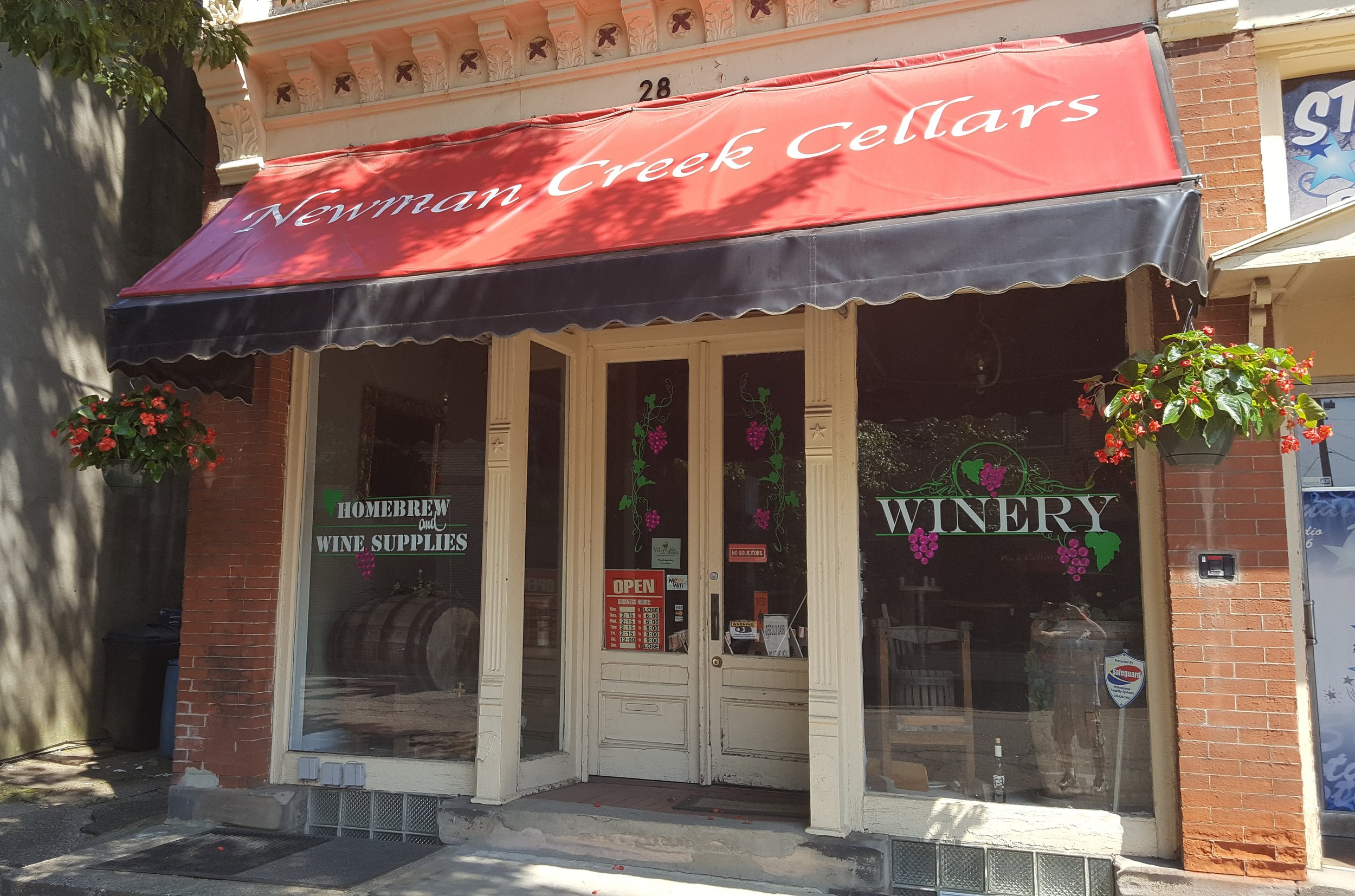 - 28 Charles Ave SE, Massillon, OH 44646Click for Map330-904-3546newmancreekcellars.comCanal Country Wine TrailStark County