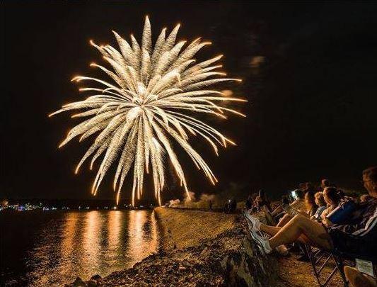 fireworks extravaganza.JPG