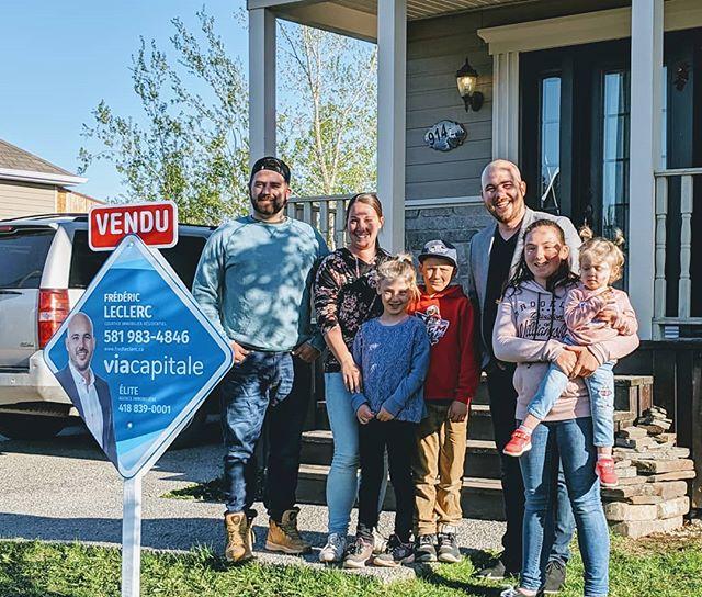 Une famille bien heureuse de mes services! Ils pourront enfin rejoindre la maison de leur rêve.  #viacapitale #saintantoinedetilly #clientsatisfait