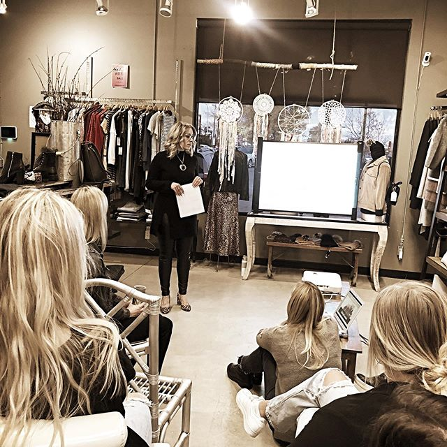 Last night I had the absolute pleasure of speaking to the staff of @bellamaasboutique and presenting on the #art of #styling . They learned how to identify body shapes, the foundational elements of creating a killer outfit, pattern mixing, accessorizing and colour fundamentals. ✨  Positive customer interactions and superior customer service always wins no matter what the service industry. Now theses ladies are equipped with so much more knowledge to personalize their customers experience to a whole new level. I'm thrilled to have met and added value to Lindsay and her team 🤩. . . . . . #imageconsulting #stylecoach #yegstyle #edmonton #yegfashion #yegpersonalstylist #yeg #stalbert #bodyshapes #customerservice #yegboutique #yegbusiness #wardrobeconsultant