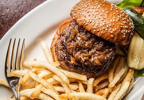 burger at minetta tavern village manhattan new york city