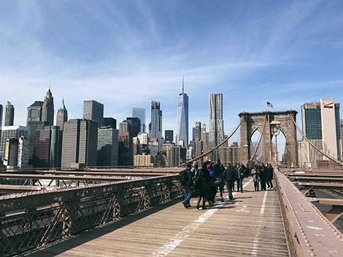 walking path on brooklyn bridge dumbo brooklyn new york city ny