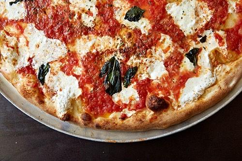 julianas pizza dumbo brooklyn bridge brooklyn new york city ny