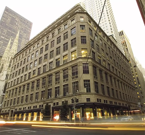 saks fifth avenue midtown manhattan new york city ny