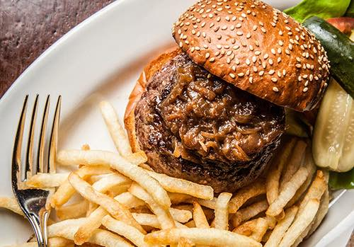 Copy of burger at minetta tavern village manhattan new york city ny