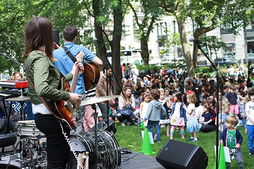 Copy of kids sing along madison square park flatiron new york city ny