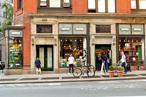 exterior at fishs eddy home and dish shop in flatiron manhattan new york city ny