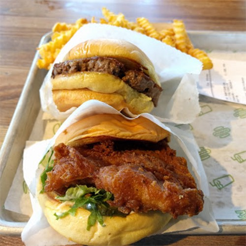 sandwiches at shake shack dumbo brooklyn bridge park brooklyn new york city ny