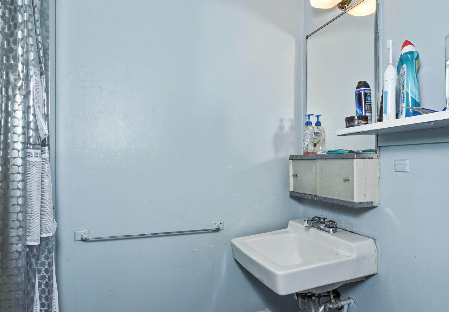 1421 Washington Avenue Golden-large-008-008-B Bathroom-1443x1000-72dpi.jpg
