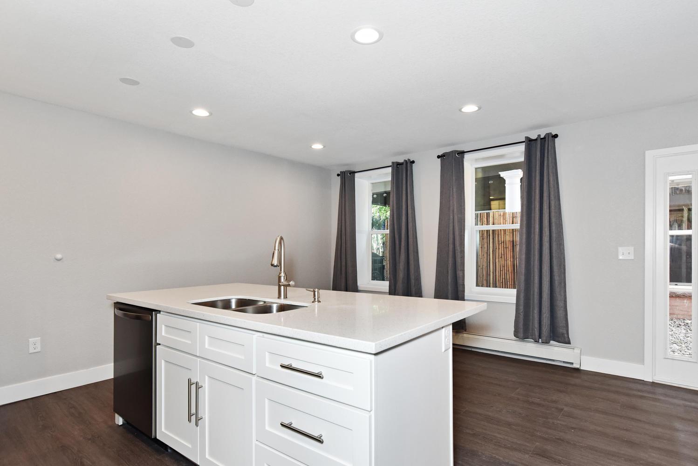1421 Washington Avenue Golden-large-010-012-C Kitchen-1499x1000-72dpi.jpg