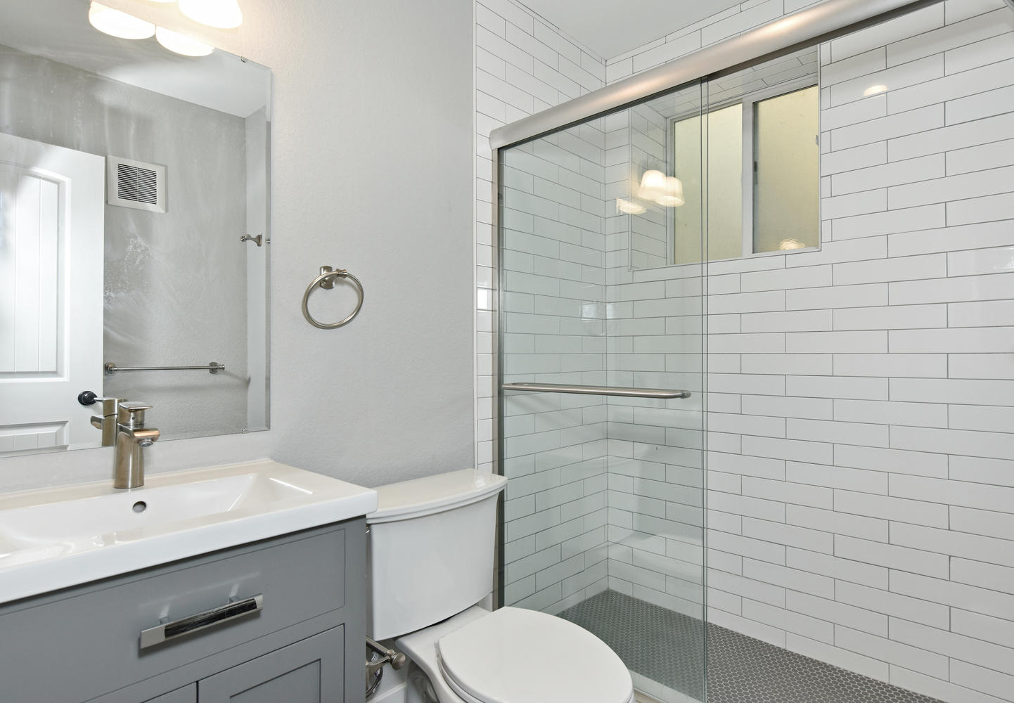 1421 Washington Avenue Golden-large-012-021-C Bathroom-1442x1000-72dpi.jpg