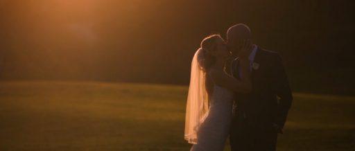 Black_Gold_Golf_Club_Wedding_Video_Sunset_Kiss-512x218.jpg