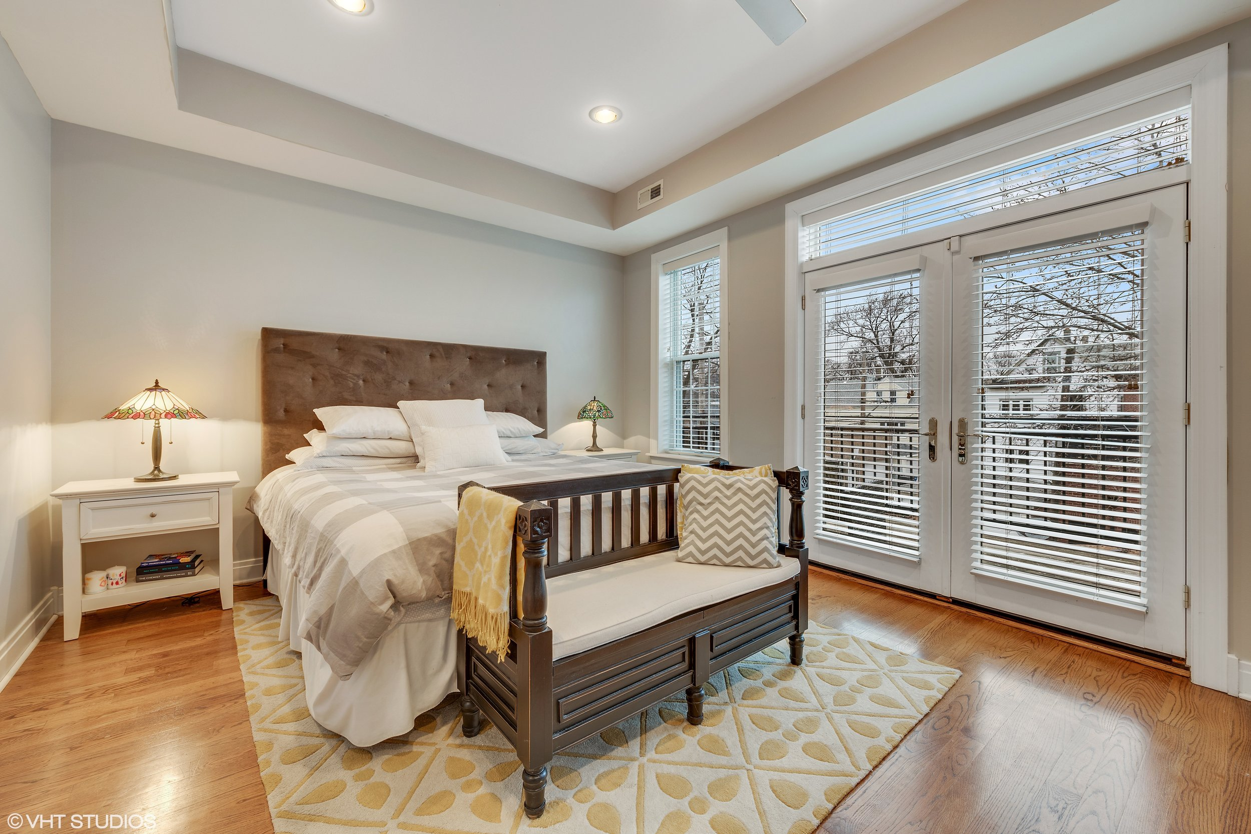 13_2242WMelroseSt_14_MasterBedroom_HiRes.jpg