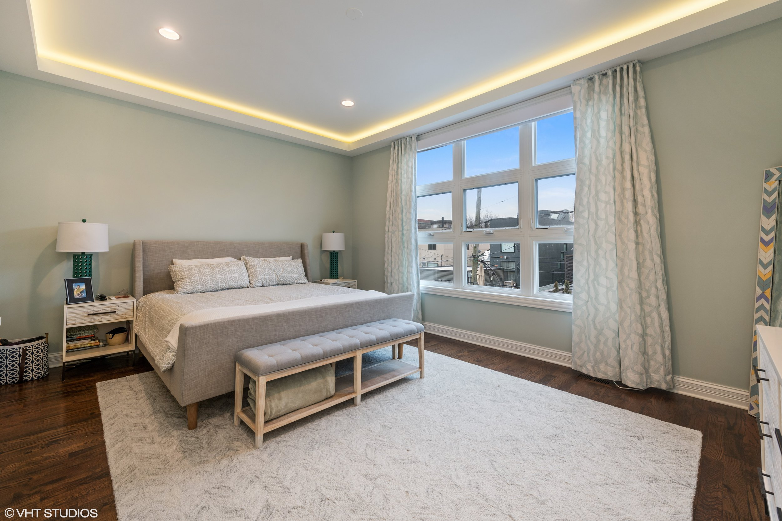 17_2639WMedillAve_14_MasterBedroom_HiRes.jpg