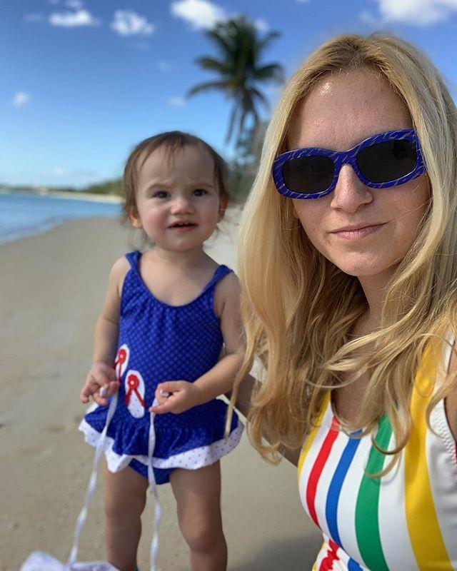 It's always better in the Bahamas ✨ * * * * * * #pregnancy #momlife #singlemom #momblogger #momblog #breastfeeding #triplets #yoga #yogateacher #yogaeverydamnday #femmetravel #sheisnotlost #petitejoys #darlingescapes #pursuepretty #wanderfolk #passionpassport #lifewelltraveled #howihue #acolorstory #bahamas #momandbaby #home #prenatalyoga #letsgoeverywhere #exploretocreate #wellnessblogger #justbreathe
