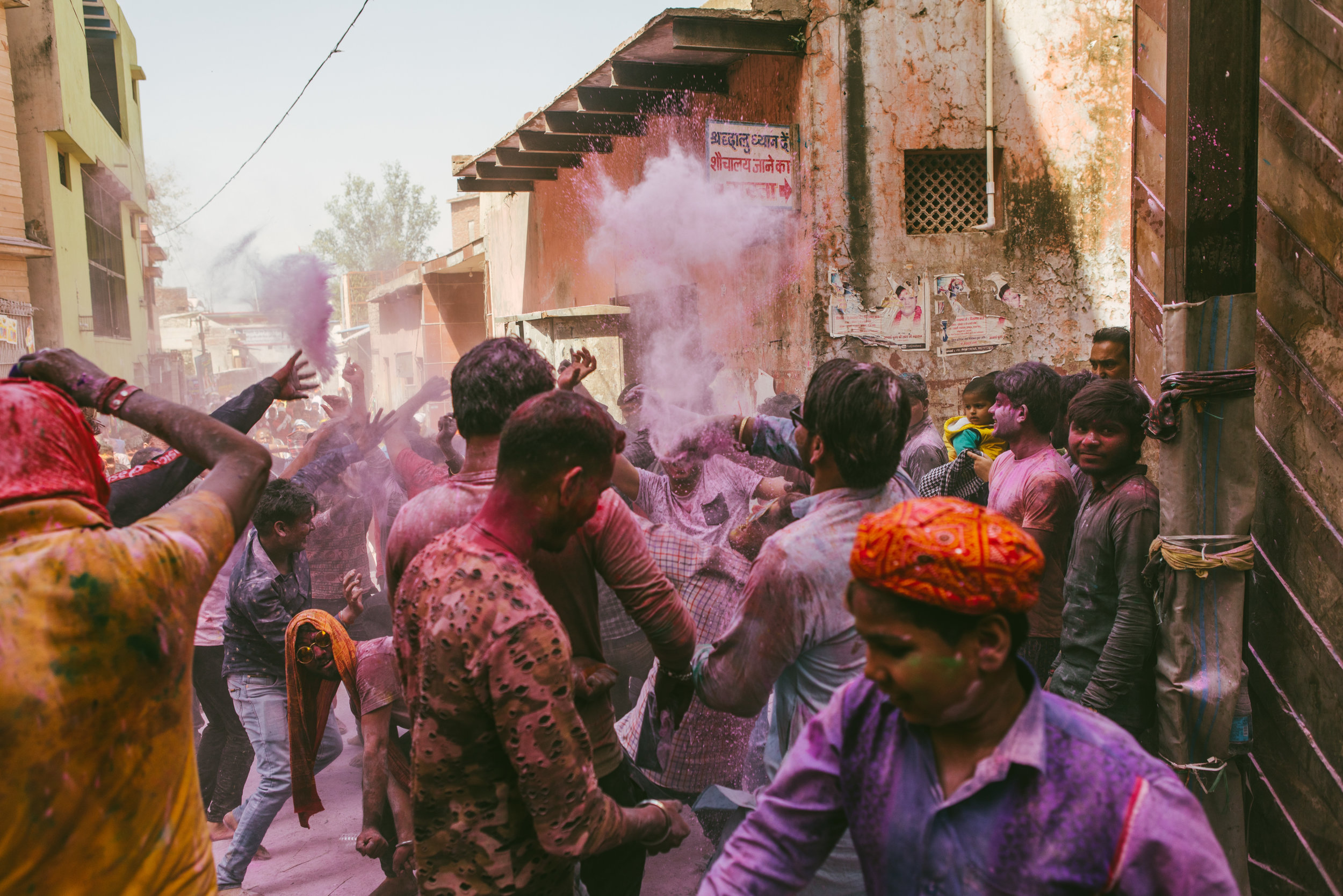 Holi in India is truly special, and something you should experience at least once … - But it can be incredibly overwhelming if you're not prepared. Read on carefully to get the most out of the experience.