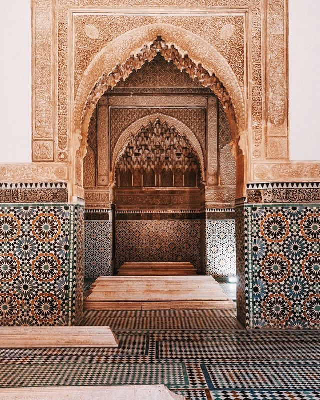 During our women's trip to Morocco last year, we visited the Saadian Tombs during our guided tour of the Medina in Marrakech. They never use images of people or animals in their places of prayer and worship because they believe no one should imitate creation (not even in art). The result is intricate scriptures, and ornate tastir (geometric) and tawriq (floral) patterns that are spellbinding to look at. // #goodtravels #grouptravel #marrakech #marrakesh #saadiantombs #medina #morocco