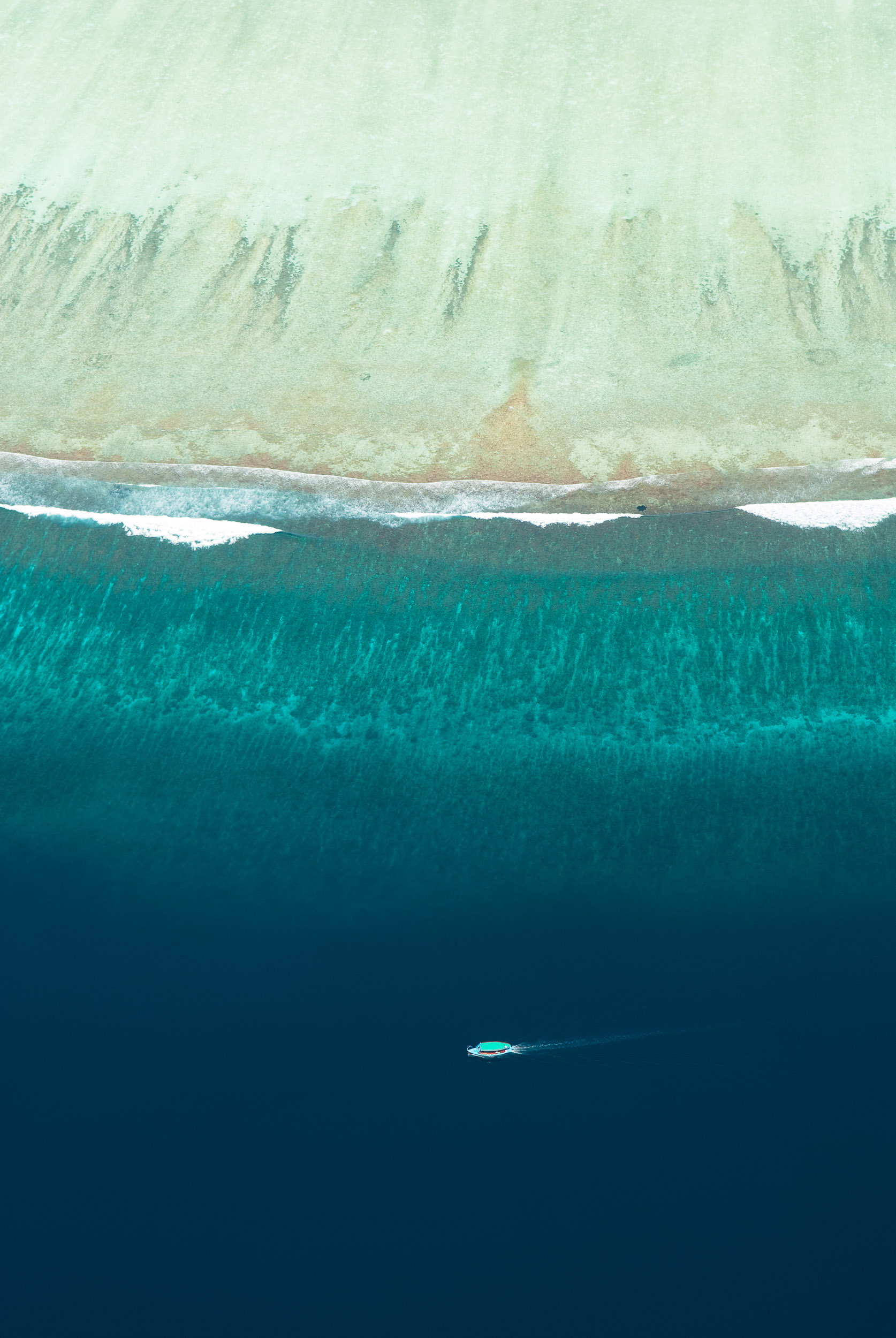 Maldives aerial. © www.thomaspickard.com