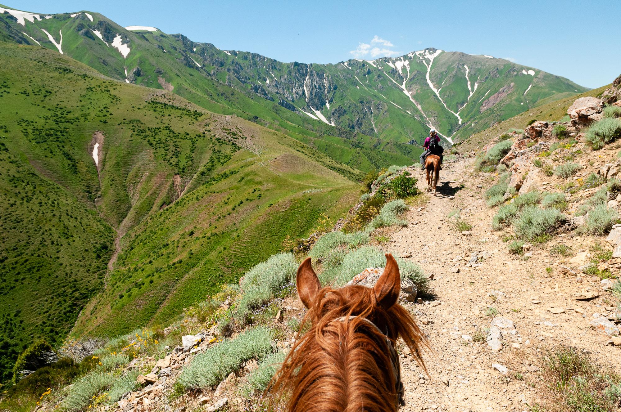 Horse riding, Kazakhstan. © www.thomapickard.com