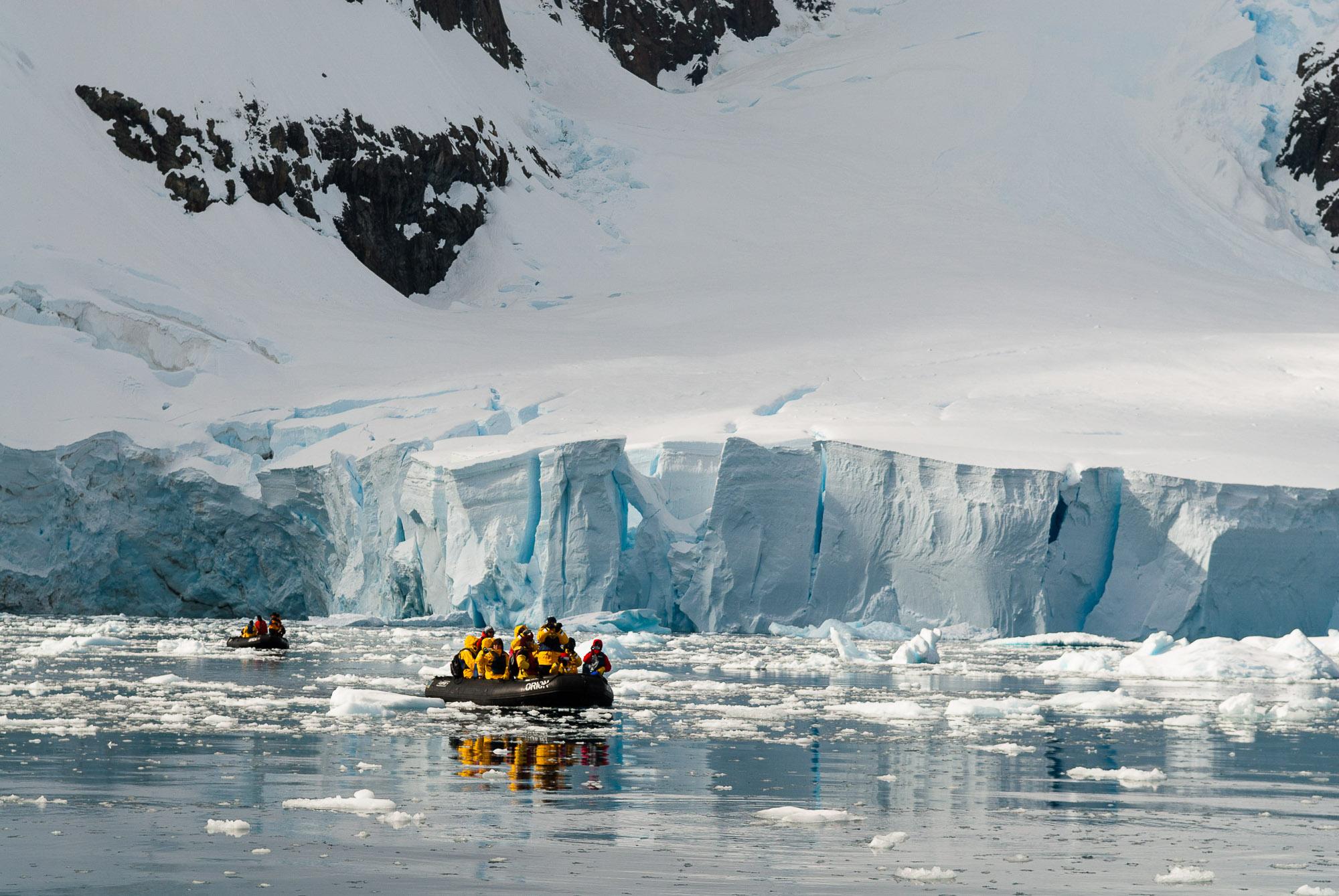 Paradise Harbour, Antarctica. © www.thomaspickard.com