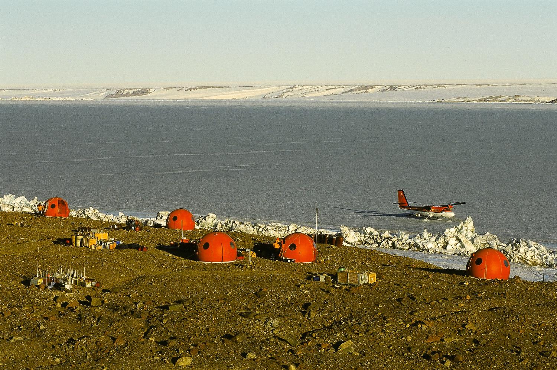 Beaver Lake Summer Camp, Northern Prince Charles Mountains, Antarctica. © www.thomaspickard.com