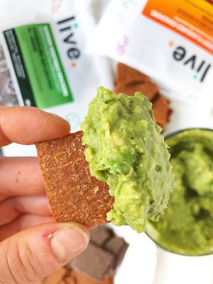 Fully Loaded Cilantro & Lime Guacamole with Live Organics Crackers -