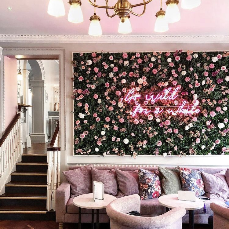 flower-wall-bar.jpg