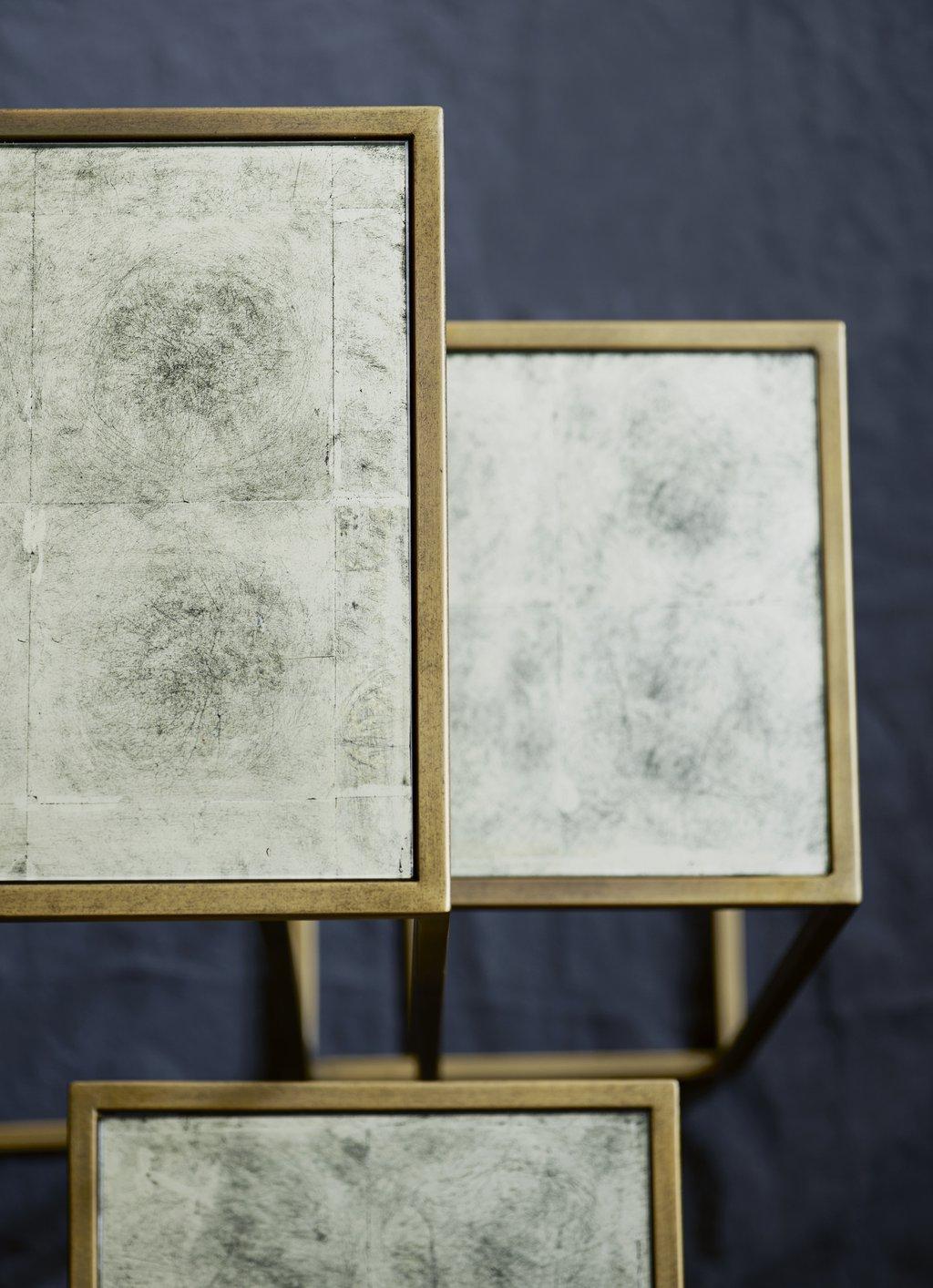 Bloemtafels met spiegeloppervlak.jpg