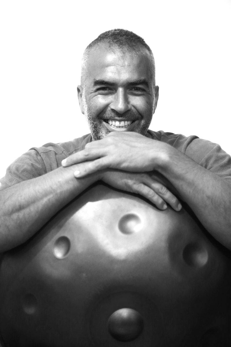 Leonardo Trincabelli - For over 15 years I have been performing on and promoting the Hang and Handpan. I, along with a small number of others have the distinction ofbeing among the first musicians who sought out the original Hangs in the early days of their creation. I have shared my love of music and of the Handpan through performances, recordings and workshops and have made numerous albums both as a soloist and with groups. I continue to seek new opportunities to teach perform and share music and with IDEKHIS I see a new venue to explore ideas and concepts that I have been developing for my whole career.