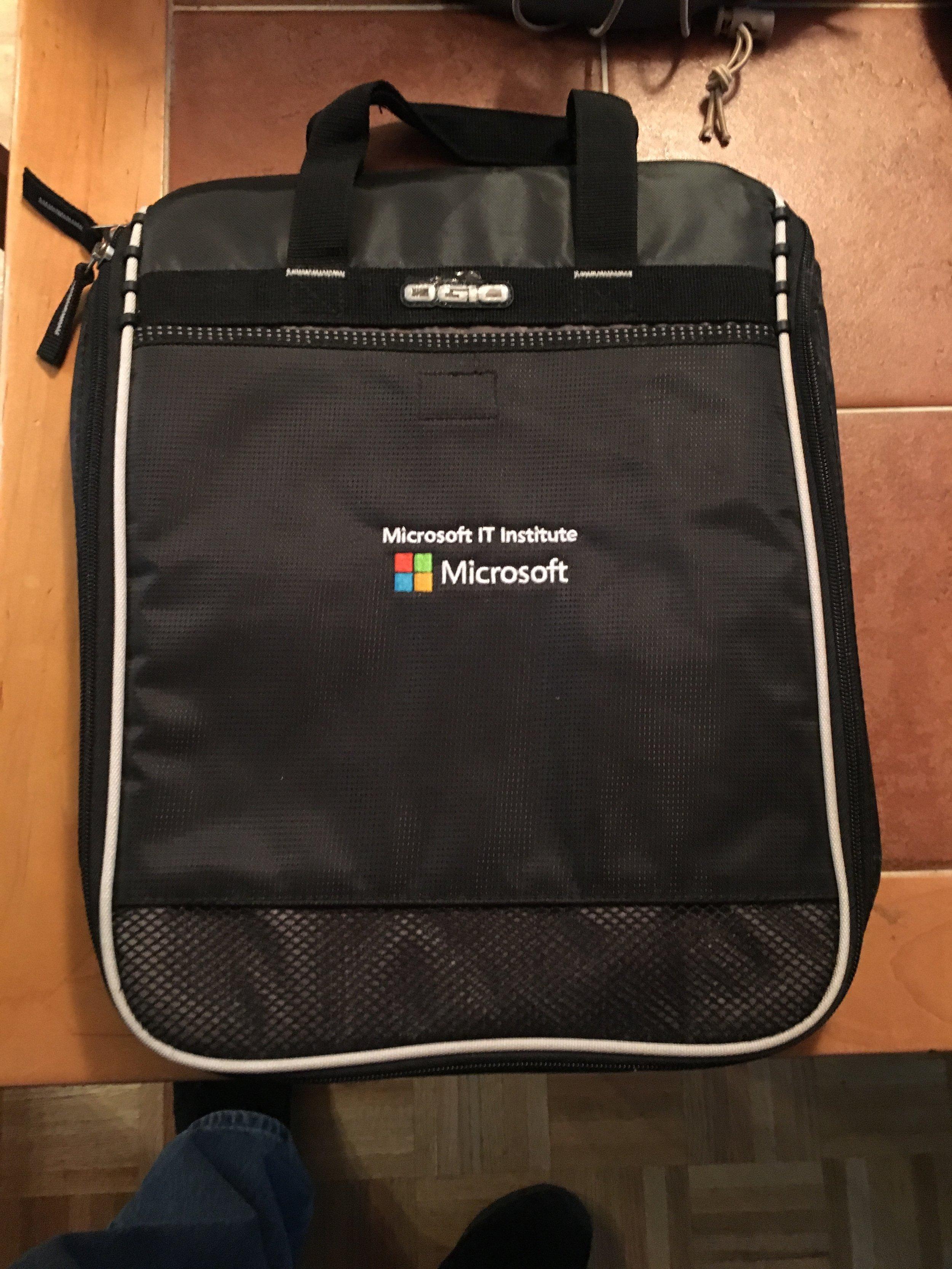 Microsoft IT Institute Surface Pro Bag x3