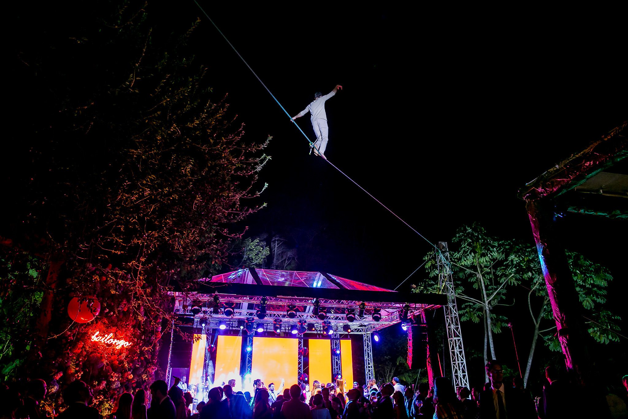 Costa Rica Wedding, circus workshop atelier taller ecole school suisse schweiz switzerland Slackline Lyell Grunberg show performance spectacle Highline trickline (6).jpg