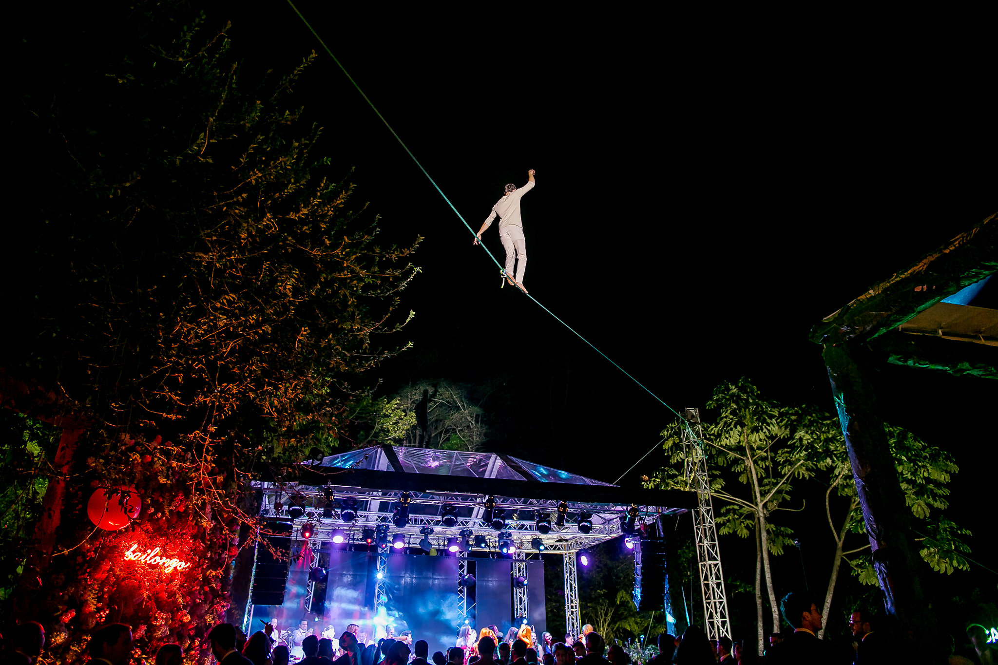 Costa Rica Wedding, circus workshop atelier taller ecole school suisse schweiz switzerland Slackline Lyell Grunberg show performance spectacle Highline trickline (7).jpg