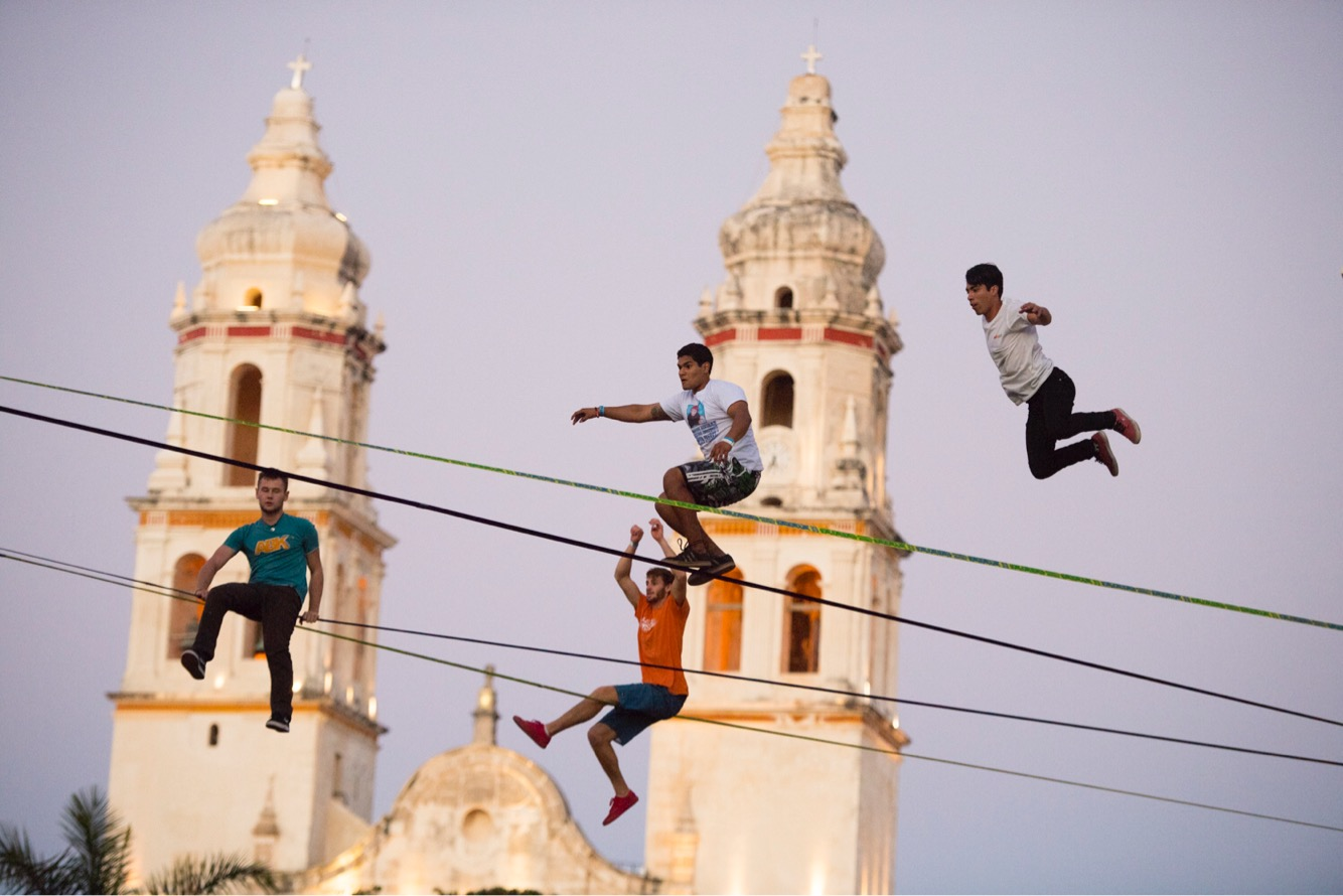 campeche yucatan mexico altius events airlines Slackline Lyell Grunberg show performance spectacle funambule circus Highline trickline (2).JPG