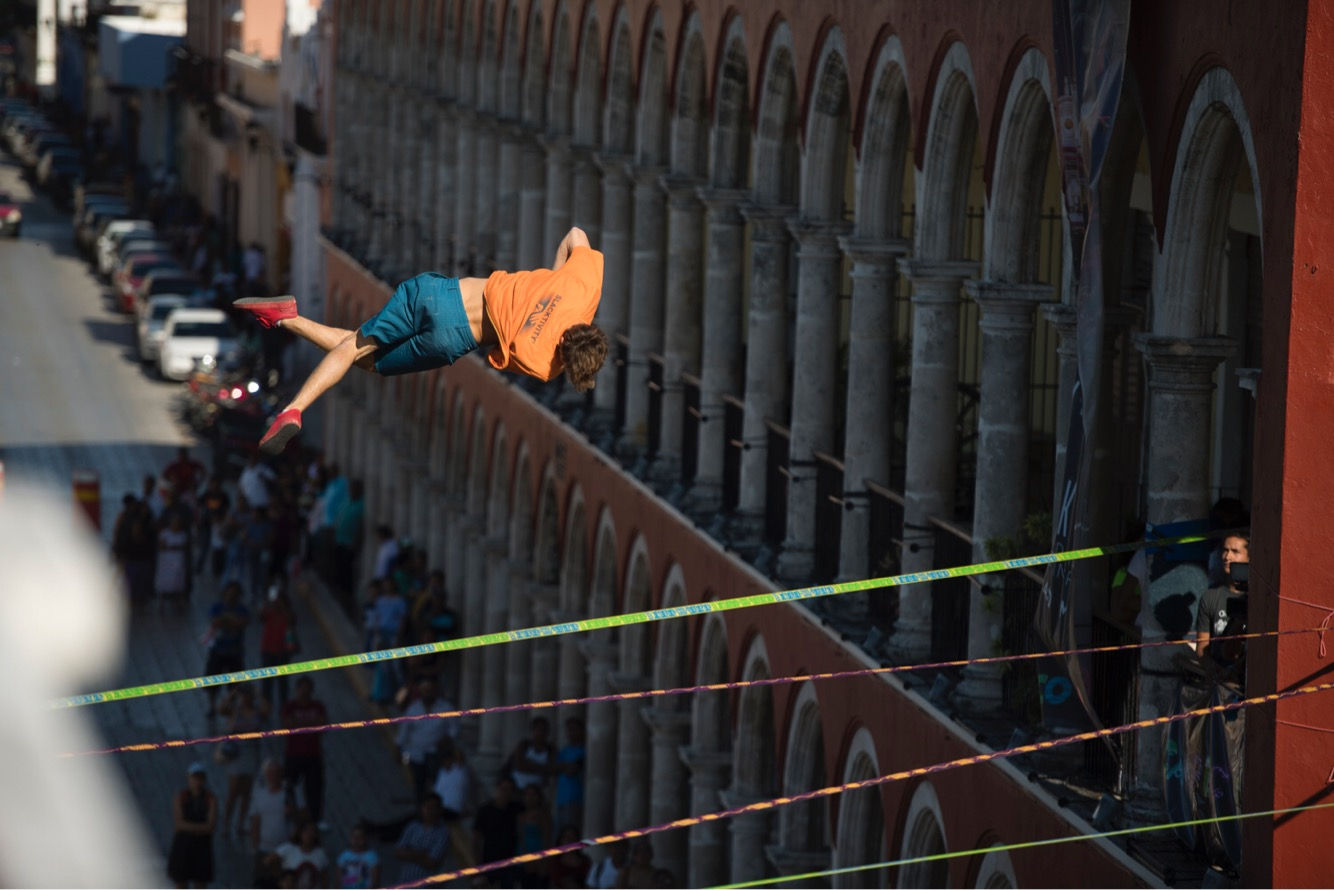 campeche yucatan mexico altius events airlines Slackline Lyell Grunberg show performance spectacle funambule circus Highline trickline (1).JPG