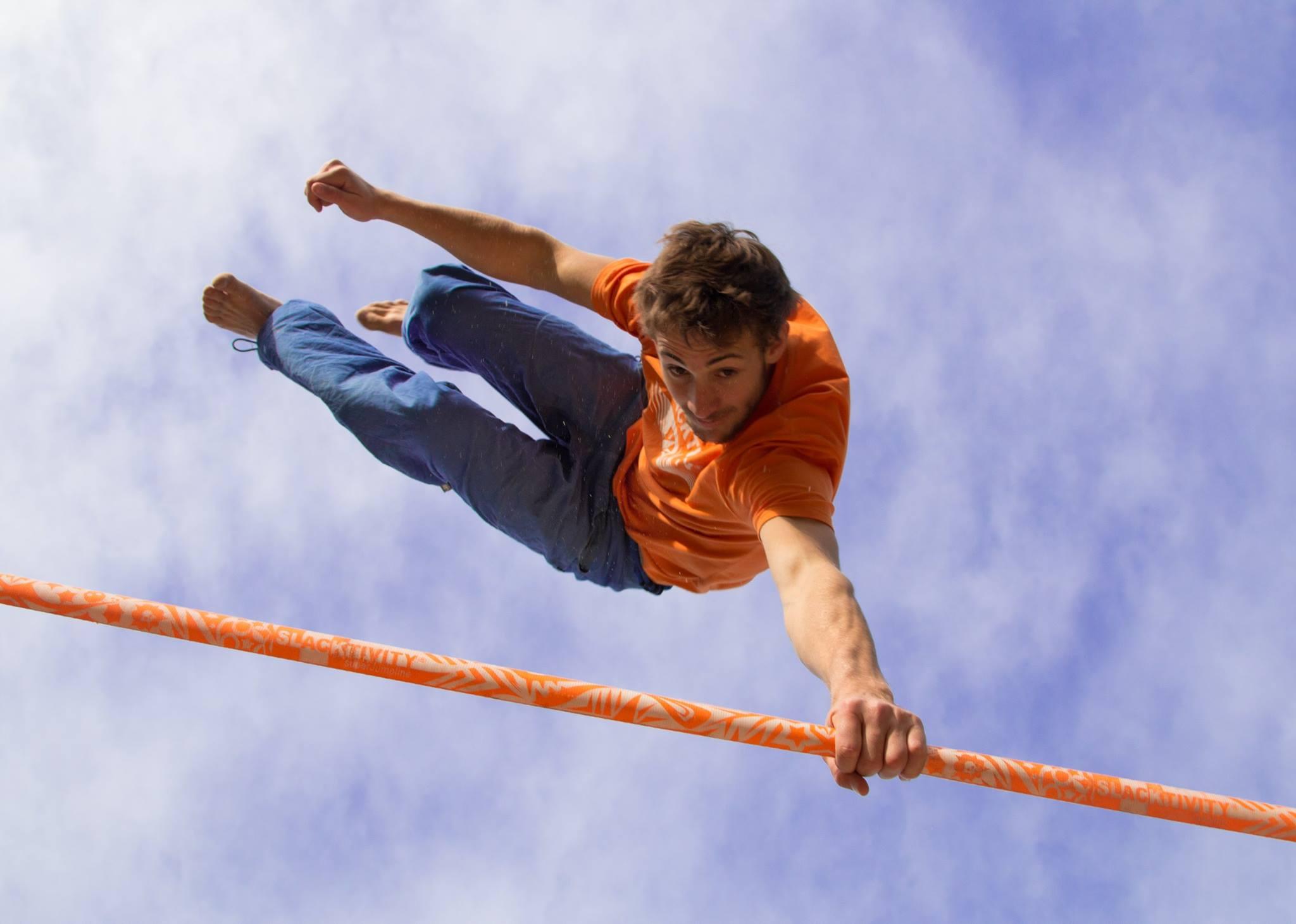 Slackline Lyell Grunberg show performance spectacle Highline trickline.jpg.jpg