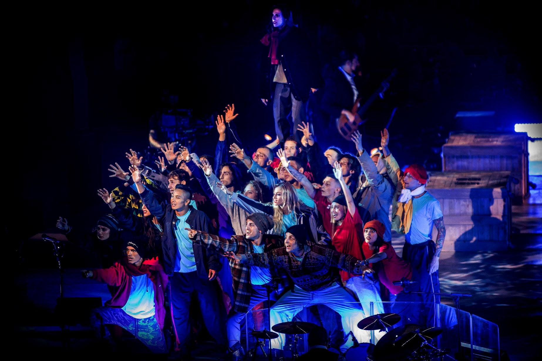 claudio baglioni arena di verona italia italy 50 al centro highline trickline show funambule circus performance spectacle suisse Slackline Lyell Grunberg  (6).jpg