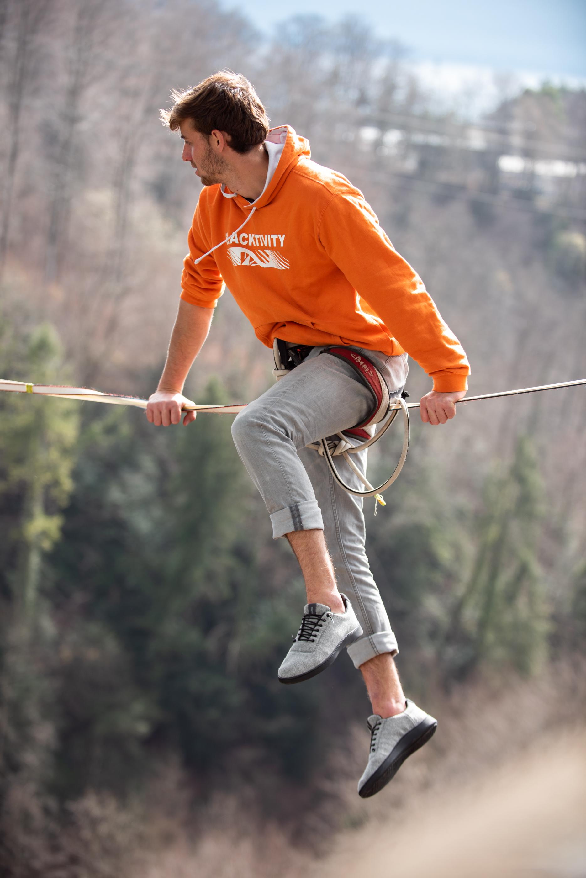 Baabuk, chaussure, laine,  Vevey, Suisse, Slackline Lyell Grunberg show performance spectacle Highline trickline (6).jpg