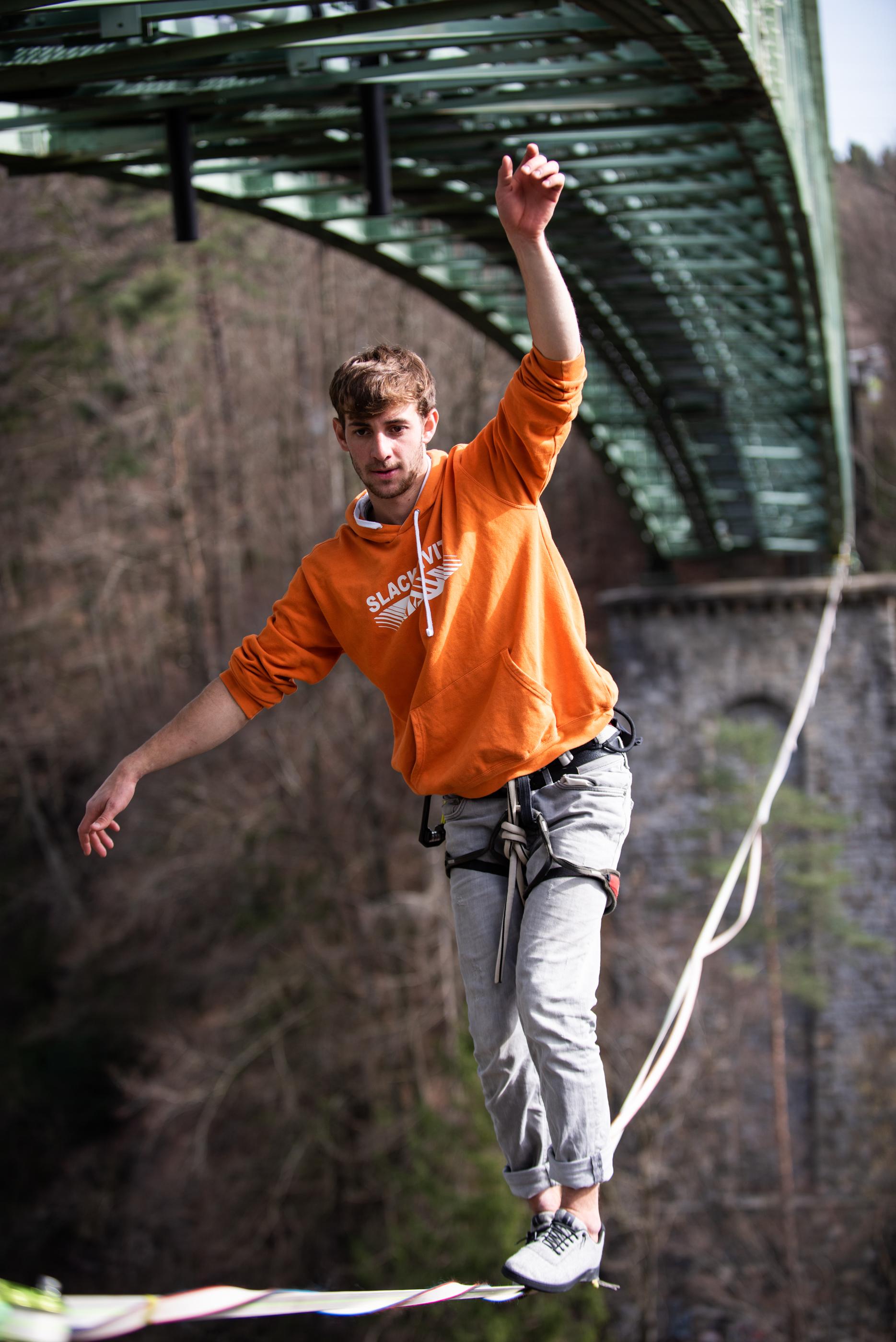 Baabuk, chaussure, laine,  Vevey, Suisse, Slackline Lyell Grunberg show performance spectacle Highline trickline (18).jpg